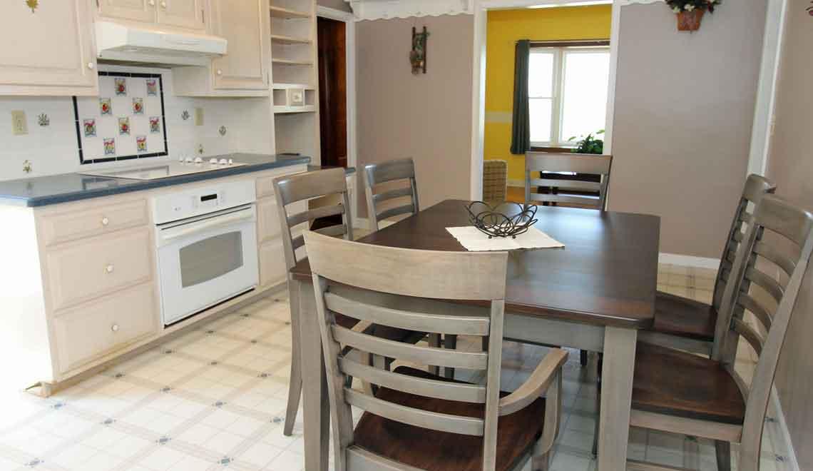 sit-in kitchen